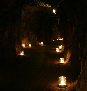 Weihnachtlicher Rammelsberg - stimmungsvolle Lichter im Stollen