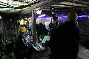 Musik auf dem Weihnachtsmarkt unter Tage