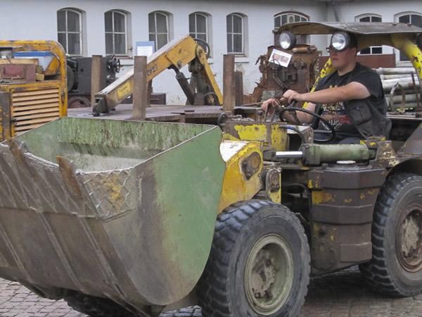 Rammelsberg - Frontlader fahren am Tag des Offenen Denkmals 2015
