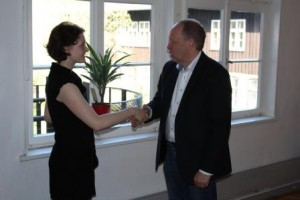 Herr Lenz verabschiedet Katharina Fuhrhop