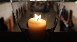 Kerze in der Lohnhalle
